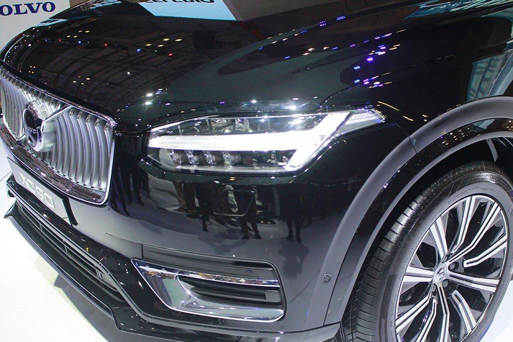 Đầu xe của Volvo XC90 facelift 2.