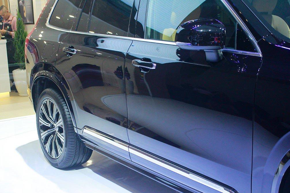 Thân xe Volvo XC90 facelift.