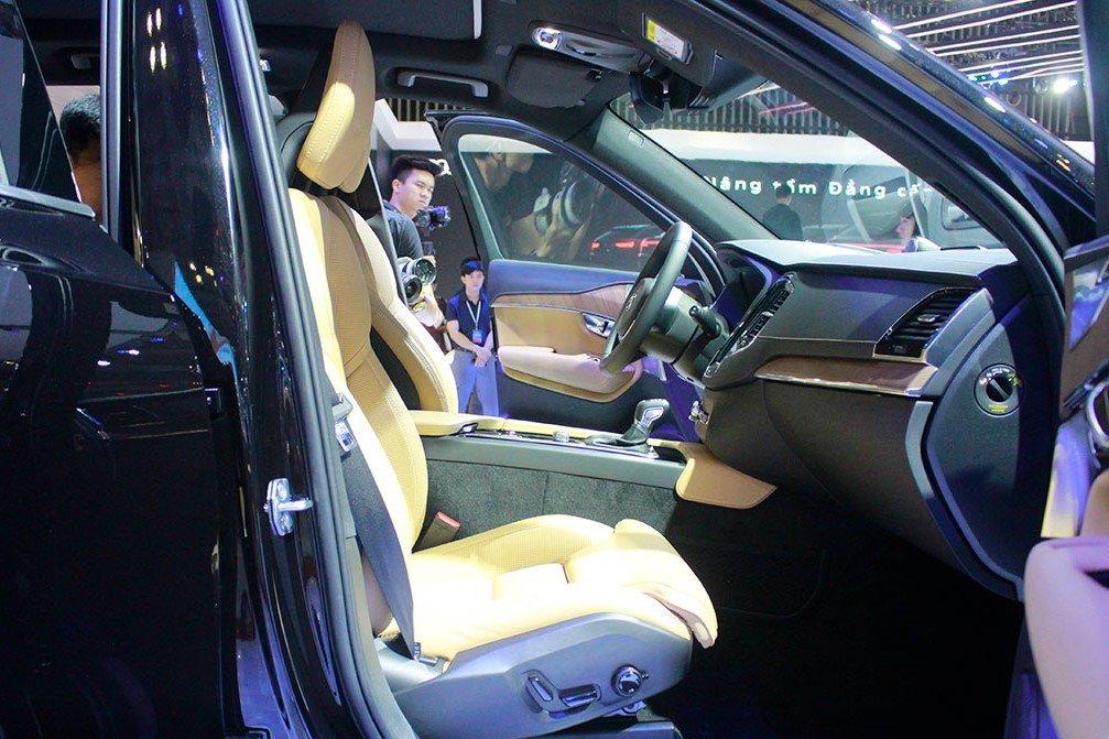 Nội thất sang trọng của Volvo XC90 facelift.