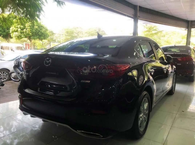Cần bán lại xe Mazda 3 1.5 AT sản xuất 2018, màu đen (2)