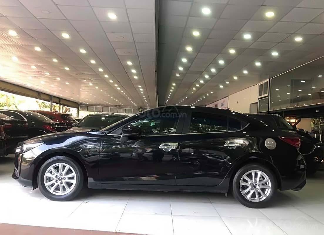 Cần bán lại xe Mazda 3 1.5 AT sản xuất 2018, màu đen (1)