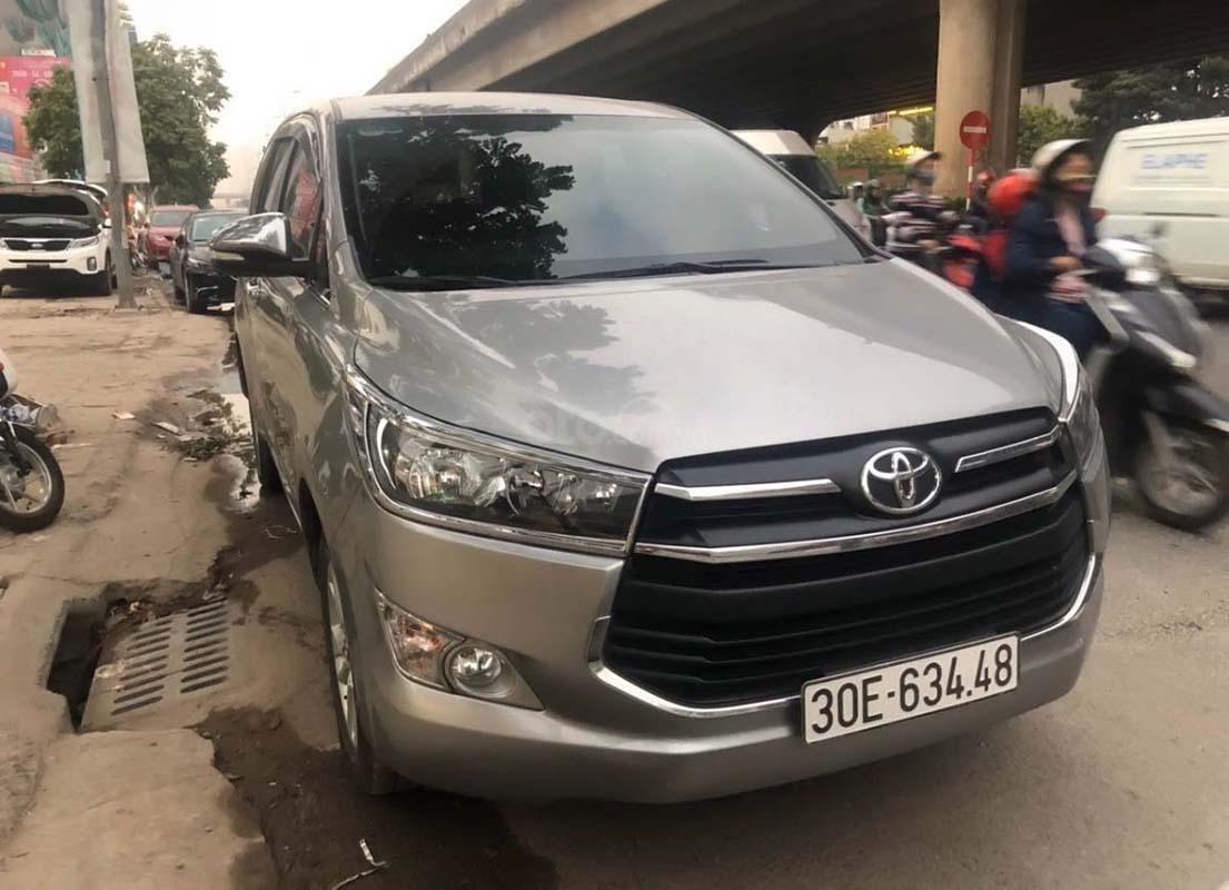 Bán Toyota Innova 2.0 E 2016, màu bạc, 620 triệu (1)