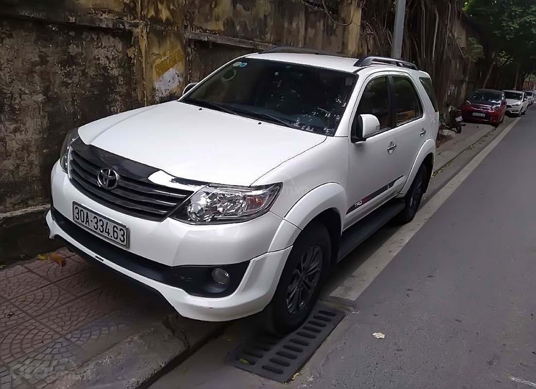 Bán xe Toyota Fortuner đời 2014, màu trắng, nhập khẩu (1)
