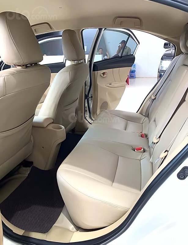 Bán Toyota Vios 1.5 E MT đời 2017, màu trắng số sàn (5)
