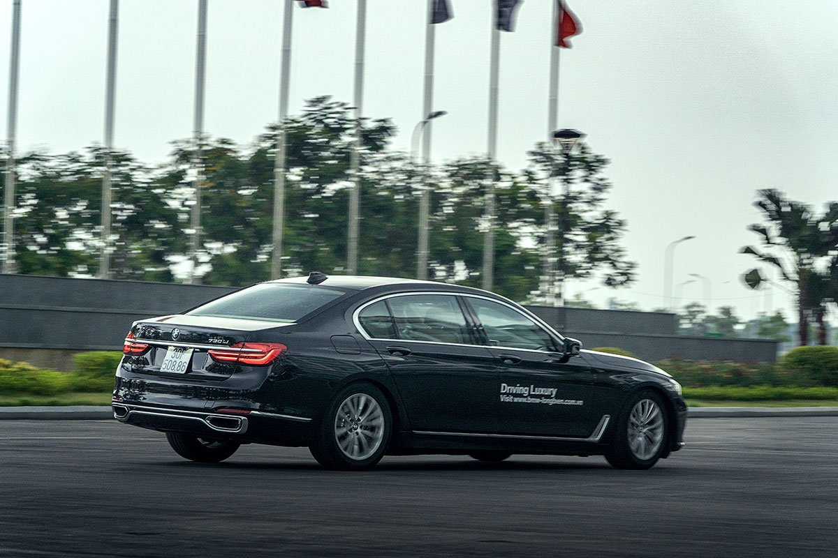 Đánh giá xe BMW 730Li 2019: Bất chấp động cơ không phải là mạnh mẽ nhất nhưng nó vẫn đem lại cảm giác đẳng cấp cho chủ nhân.