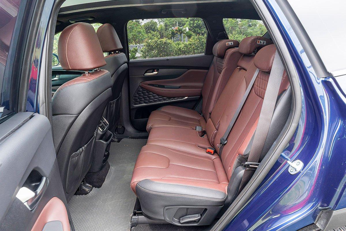 Đánh giá xe Hyundai Santa Fe 2019: Ghế tông màu nâu bản cao cấp