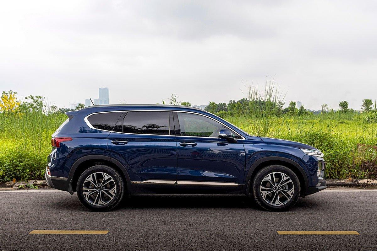 Đánh giá xe Hyundai Santa Fe 2019: Thân xe bản cao cấp