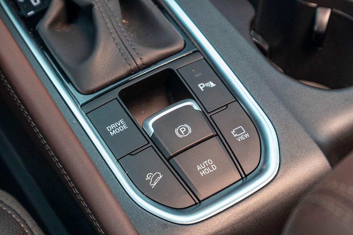 Đánh giá xe Hyundai Santa Fe 2019: Hệ thống an toàn.