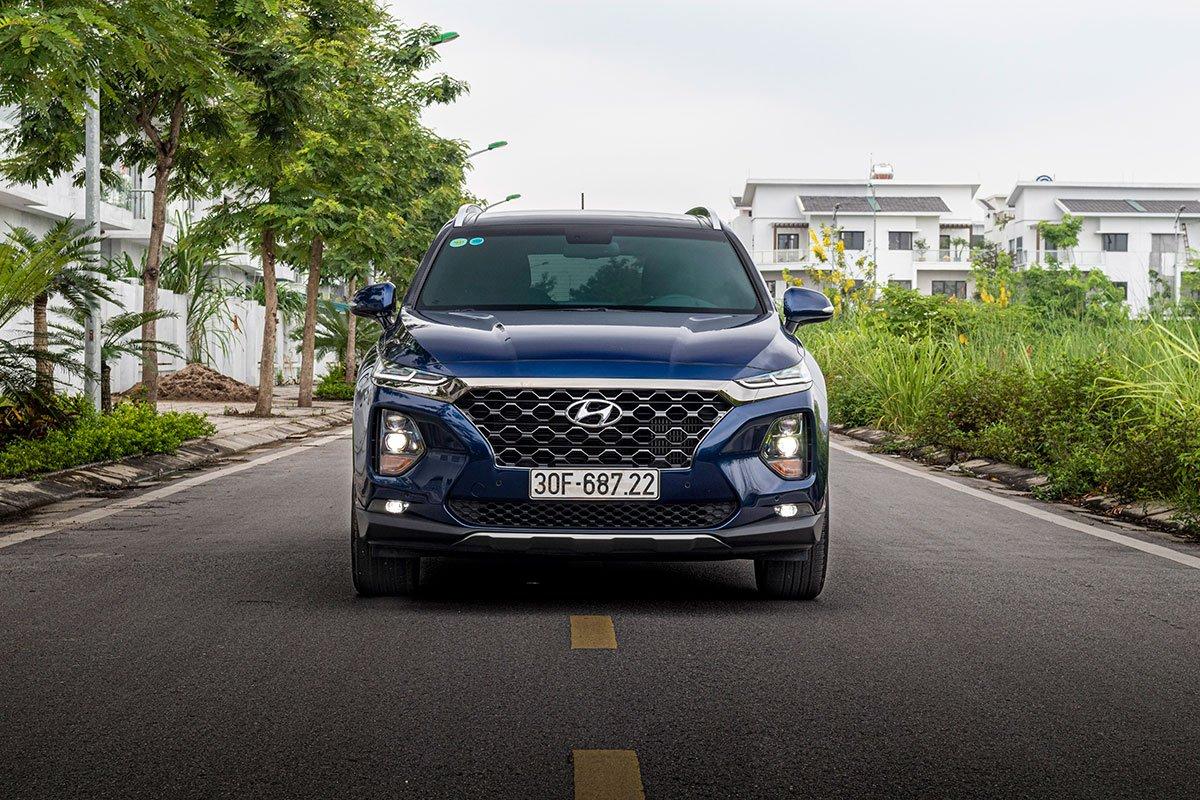 Đánh giá xe Hyundai Santa Fe 2019: Đầu xe thiết kế theo xu hướng.