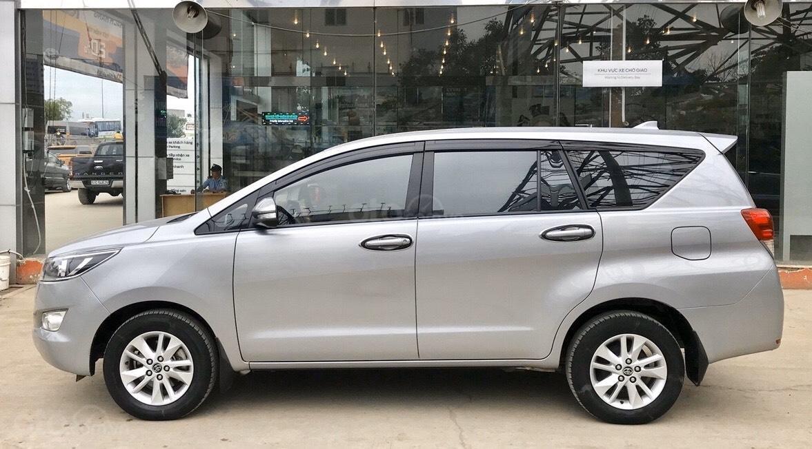Bán Toyota Innova 2.0E MT 2017, full option xe bán tại hãng có bảo hành (4)