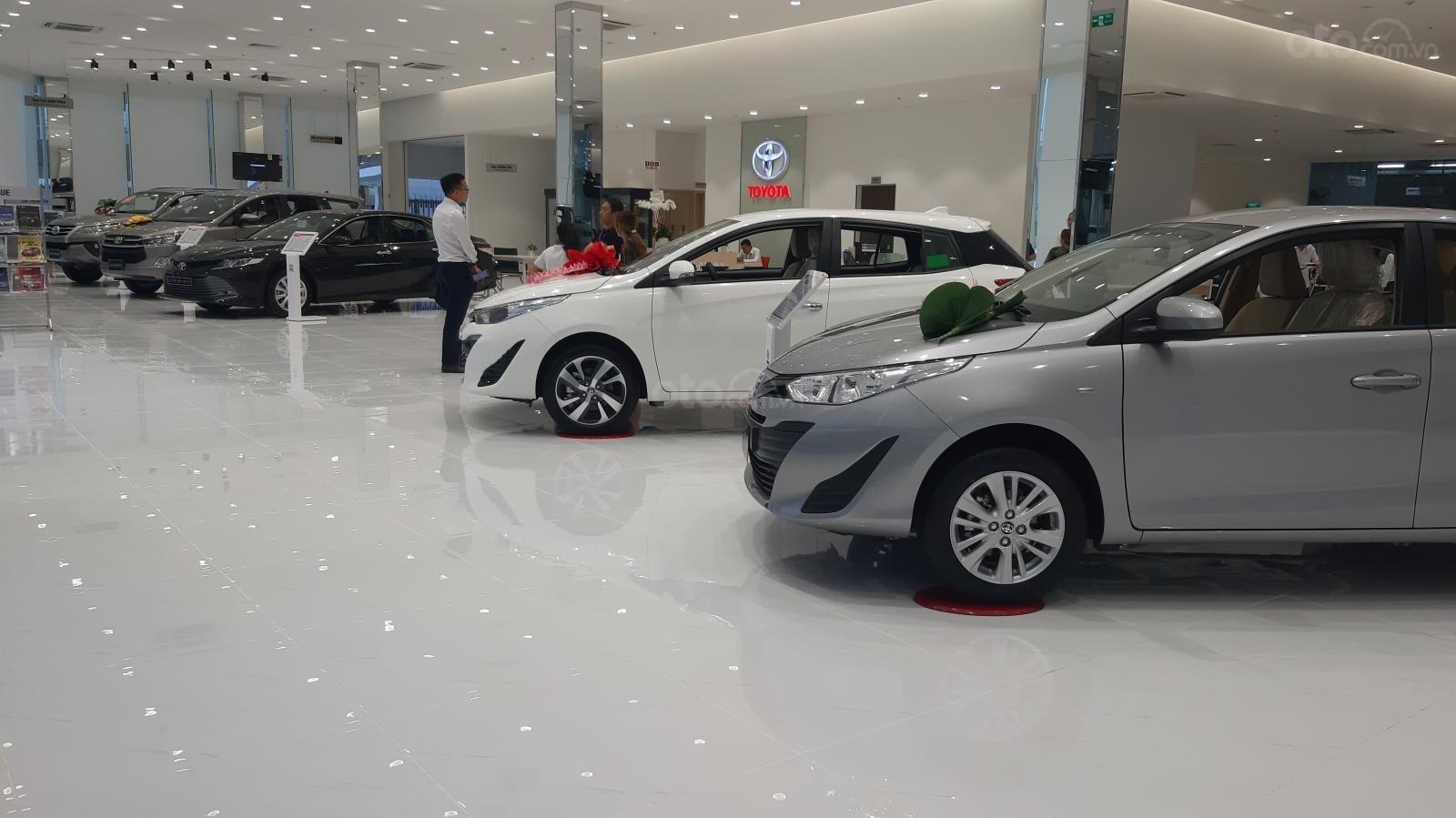 Hiroshima Tân Cảng - Cần bán xe Toyota Innova 2.0V sản xuất năm 2019, màu nâu (9)