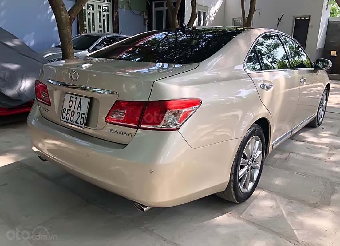 Xe Lexus ES 350 năm sản xuất 2010, nhập khẩu nguyên chiếc xe gia đình (2)
