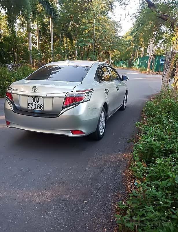Cần bán xe Toyota Vios đời 2015, màu bạc, giá 420tr (2)