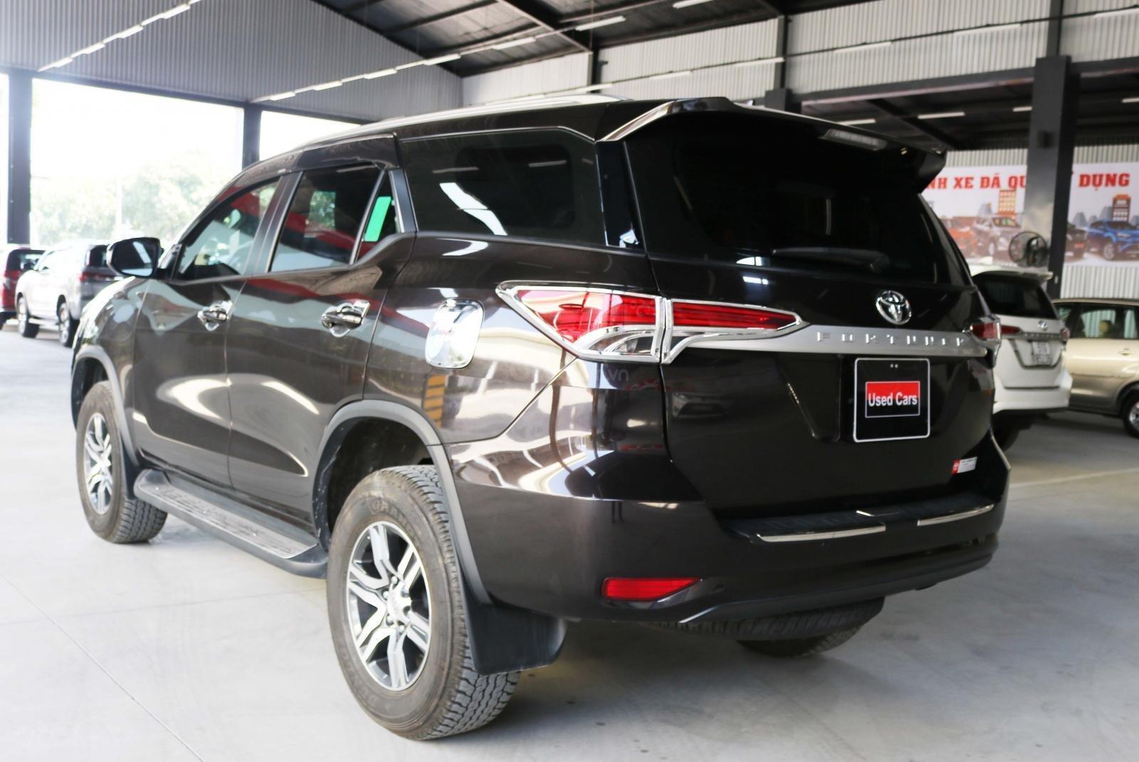 Bán xe Fortuner 2.4G máy dầu số sàn - xe gia đình trùm mền không kinh doanh (4)