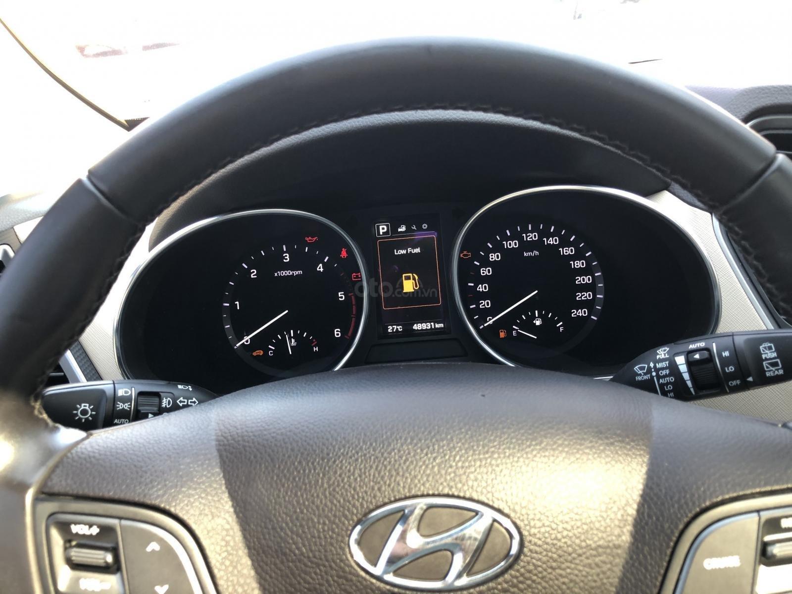 Bán Hyundai Santa Fe 2.2 4WD năm sản xuất 2016, màu nâu, trả góp (3)