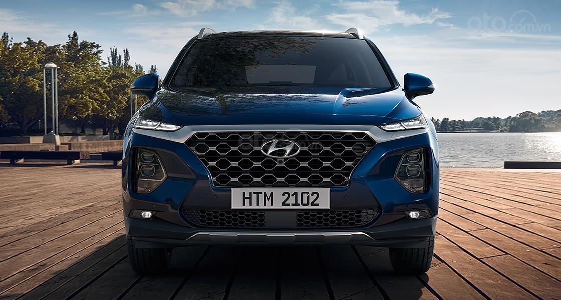 Cần bán Hyundai Santa Fe sản xuất năm 2019, màu xanh lam cực hot, hỗ trợ trả góp (1)