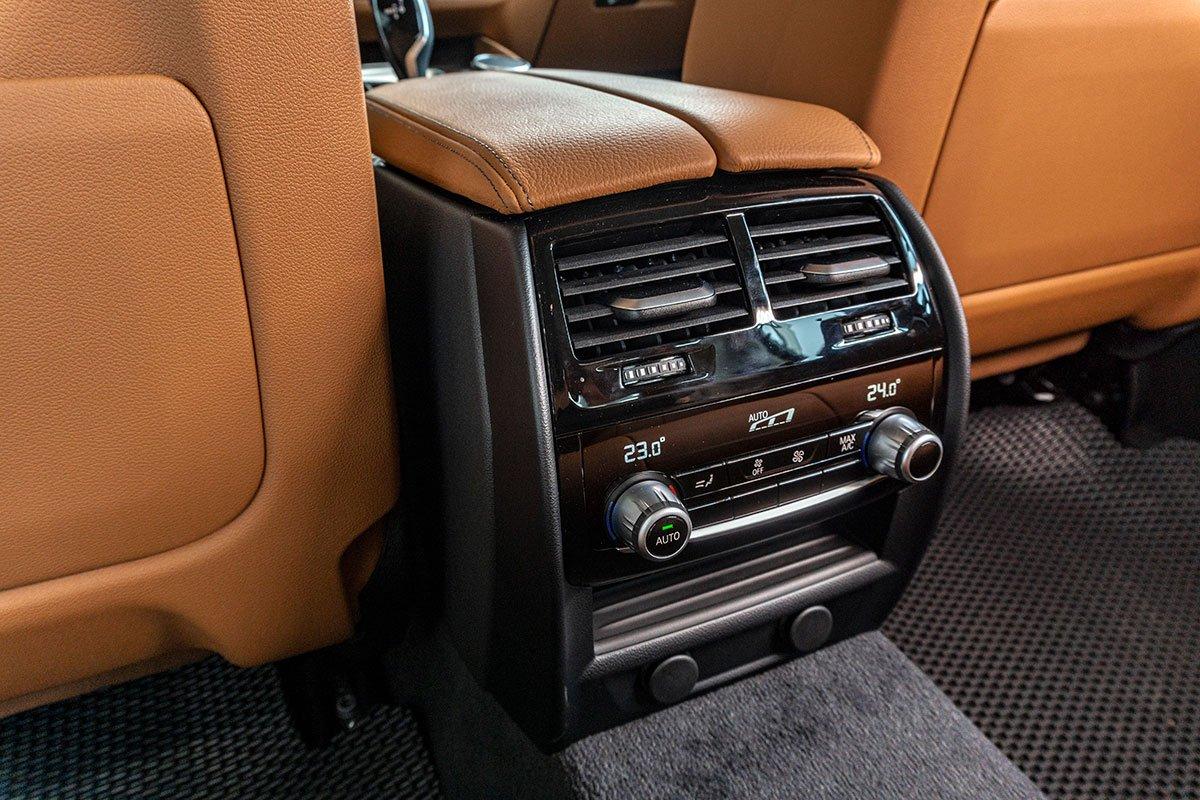 Đánh giá xe BMW 530i 2019: Hệ thống điều hoà tự động 4 vùng độc lập.