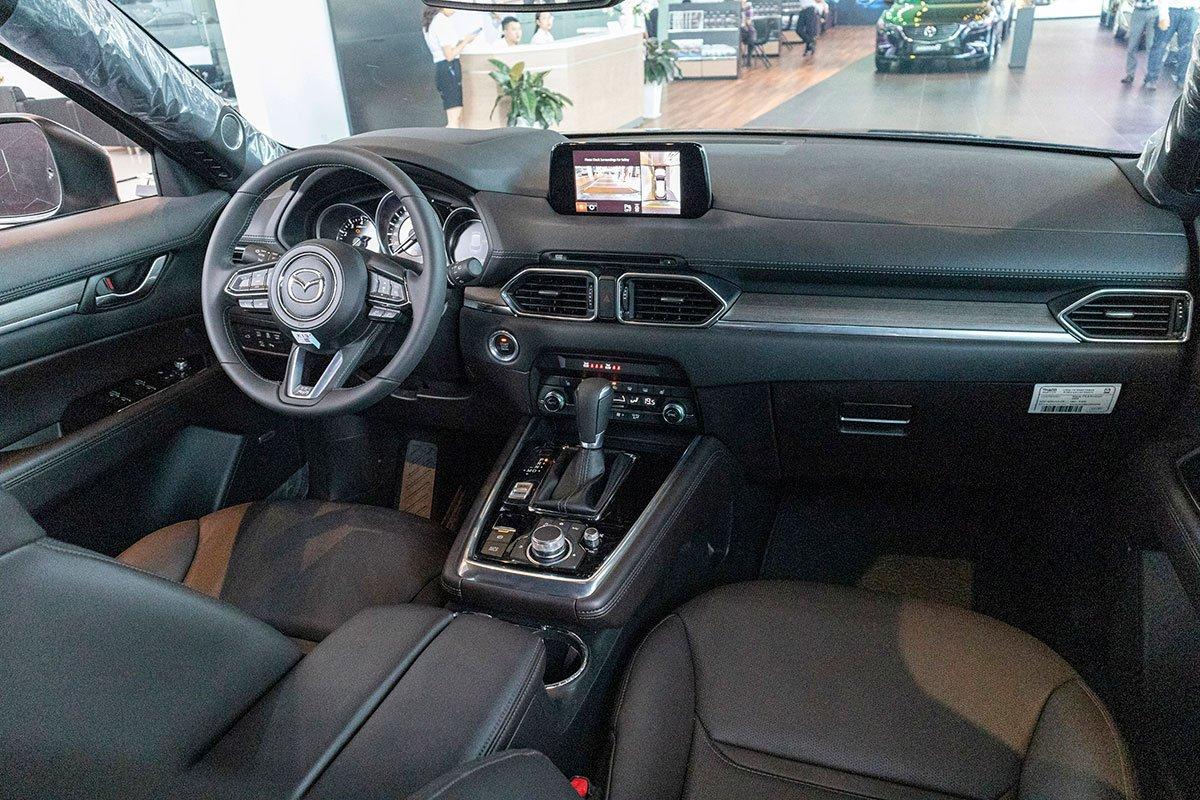 Nội thất xe Mazda CX-8 2019.