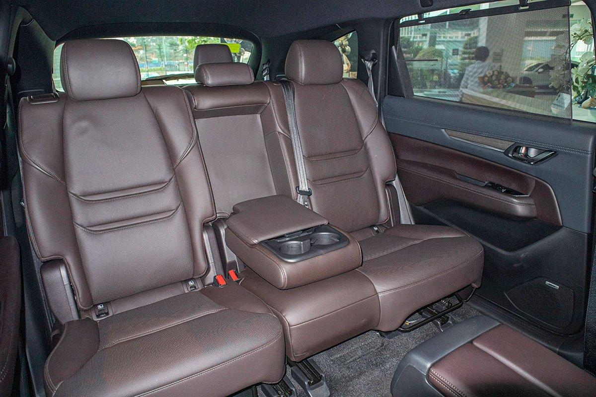 Hàng ghế thứ 2 trên Mazda CX-8 2019 1.