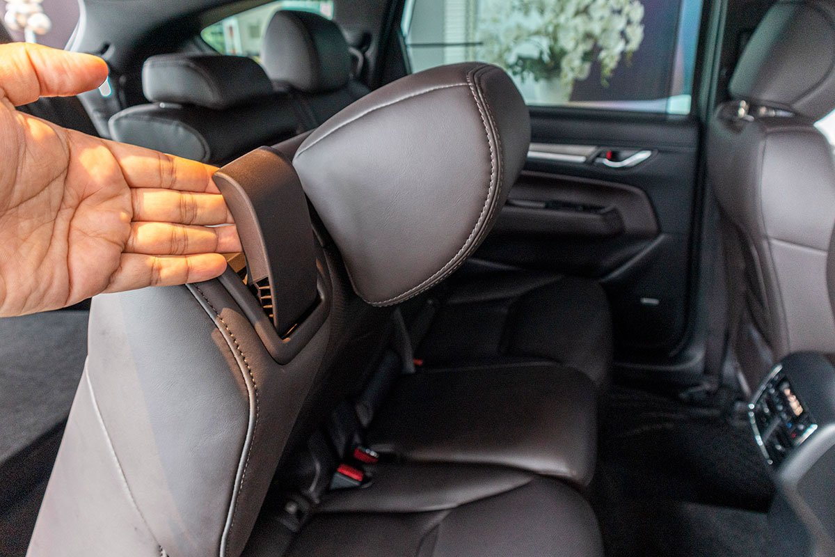 Hàng ghế thứ 3 trên Mazda CX-8 2019 1.