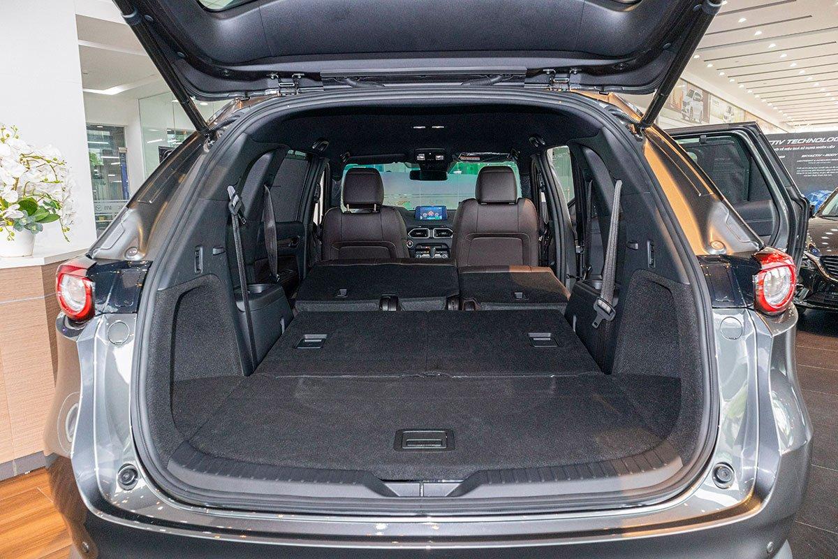 Khoang hành lý của Mazda CX-8 2019 2.