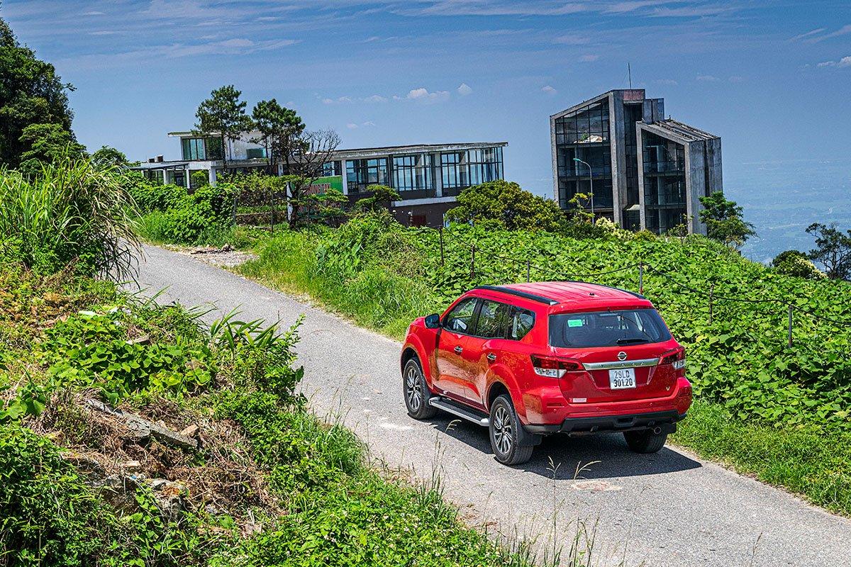 Đánh giá xe Nissan Terra 2019 phiên bản V cao cấp tại Việt Nam a2