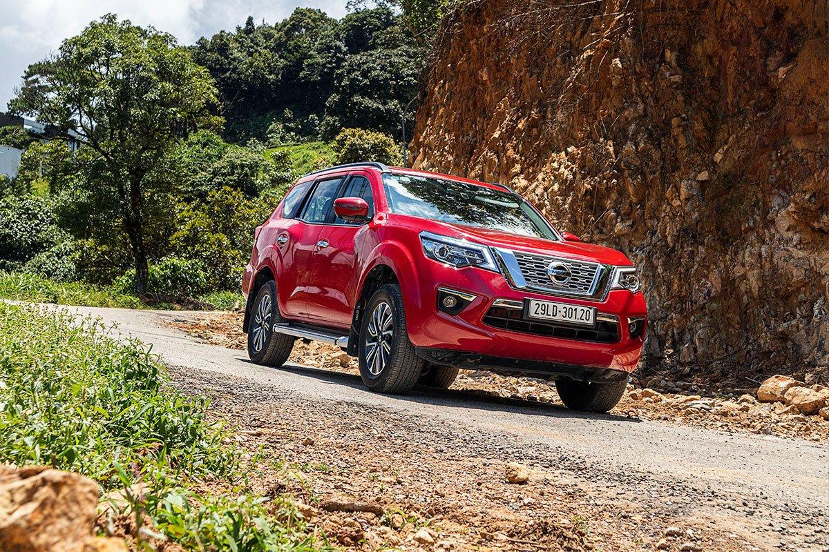 Đánh giá xe Nissan Terra 2019: Xe cho khả năng cách âm tốt so với các đối thủ trong cùng phân khúc.
