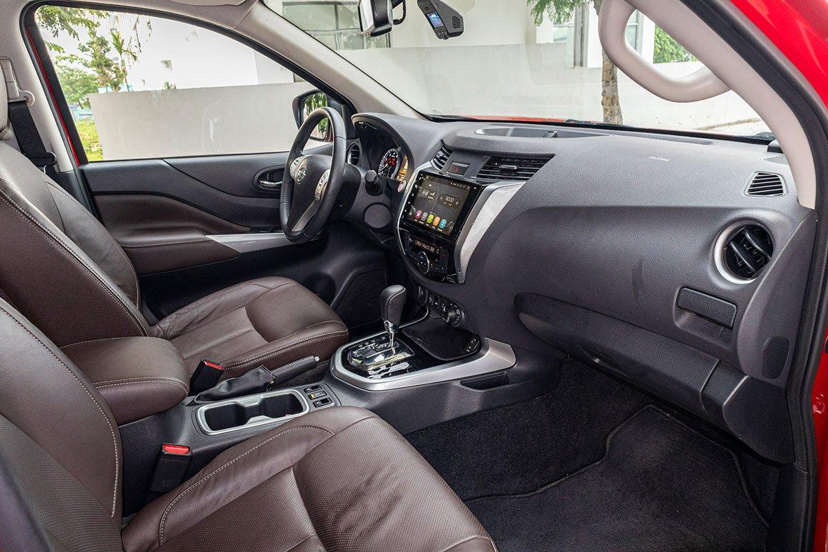 Khoang nội thất của Nissan Terra 2019 có thiết kế khá thông minh, các chi tiết tối giản tinh tế 1.