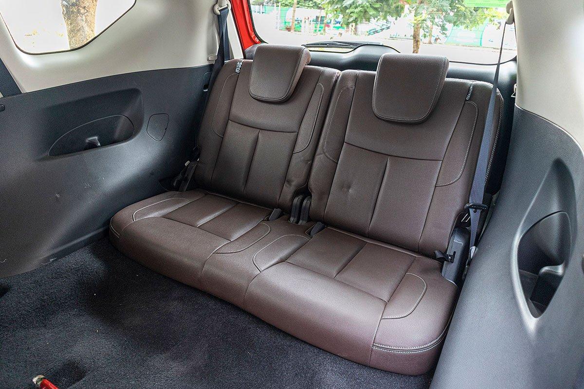 Đán giá Nissan Terra 2019: Hàng ghế thứ 3 đủ chỗ cho người lớn.