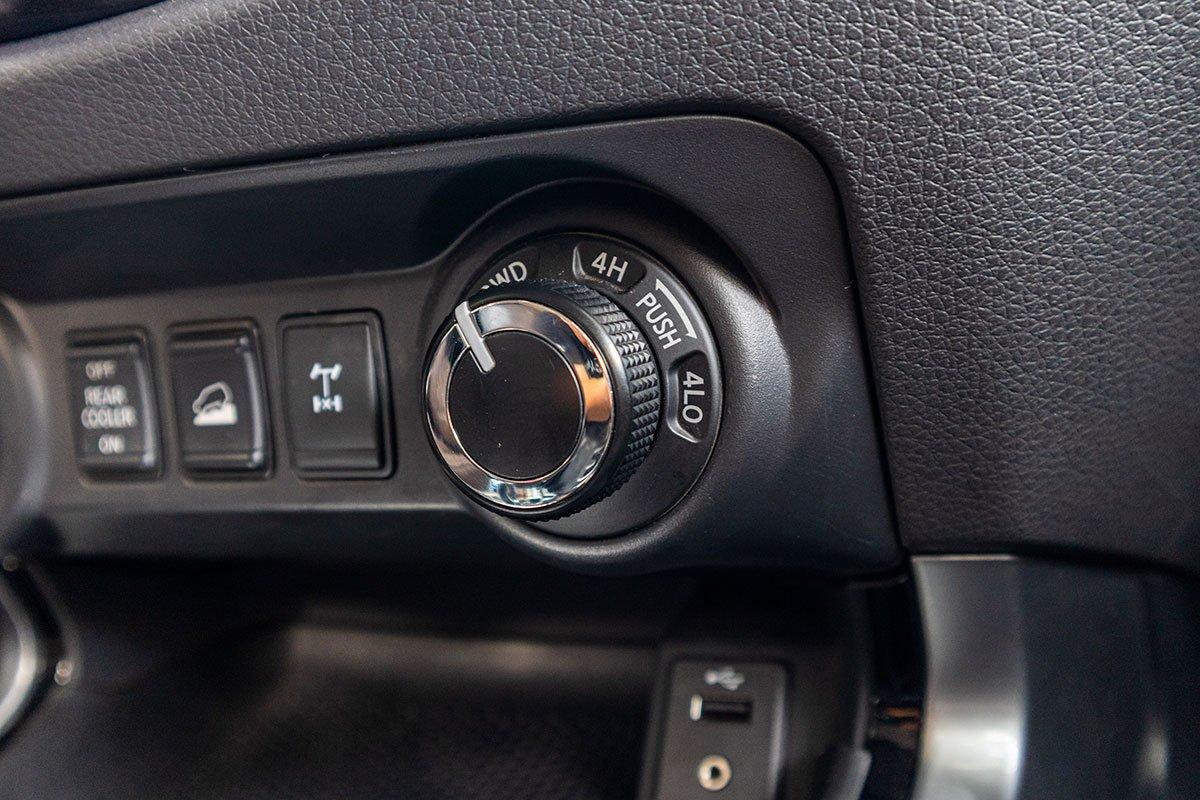 Đánh giá xe Nissan Terra 2019: Hệ thống hỗ trợ đổ đèo.