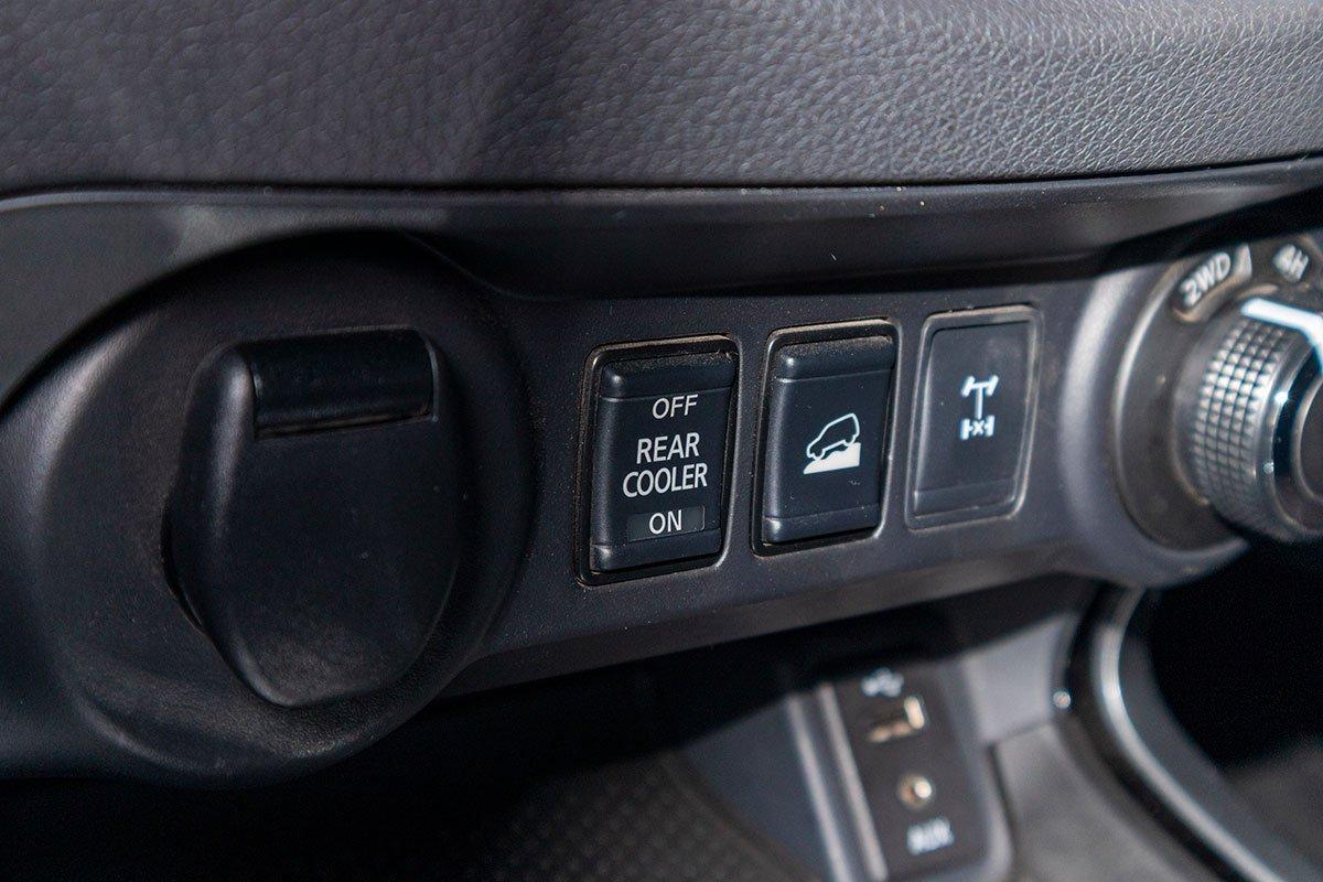 Đánh giá xe Nissan Terra 2019: Dàn lành cho hàng ghế thứ 2 và 3.