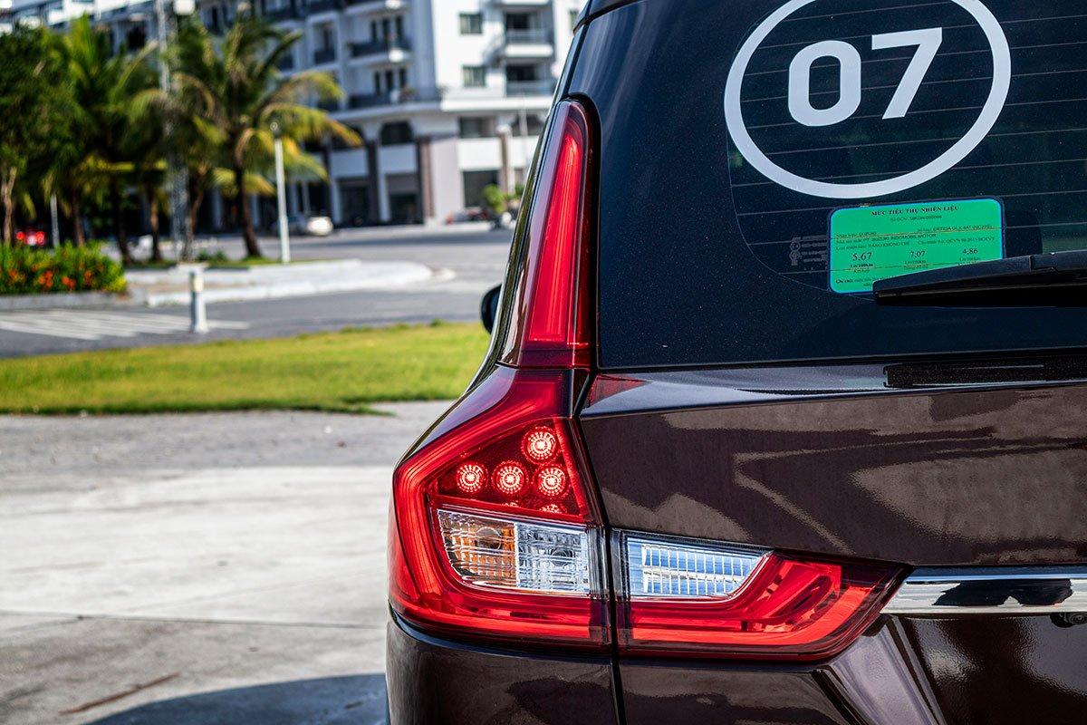Đánh giá xe Suzuki Ertiga 2019: Đèn hậu sử dụng công nghệ LED.