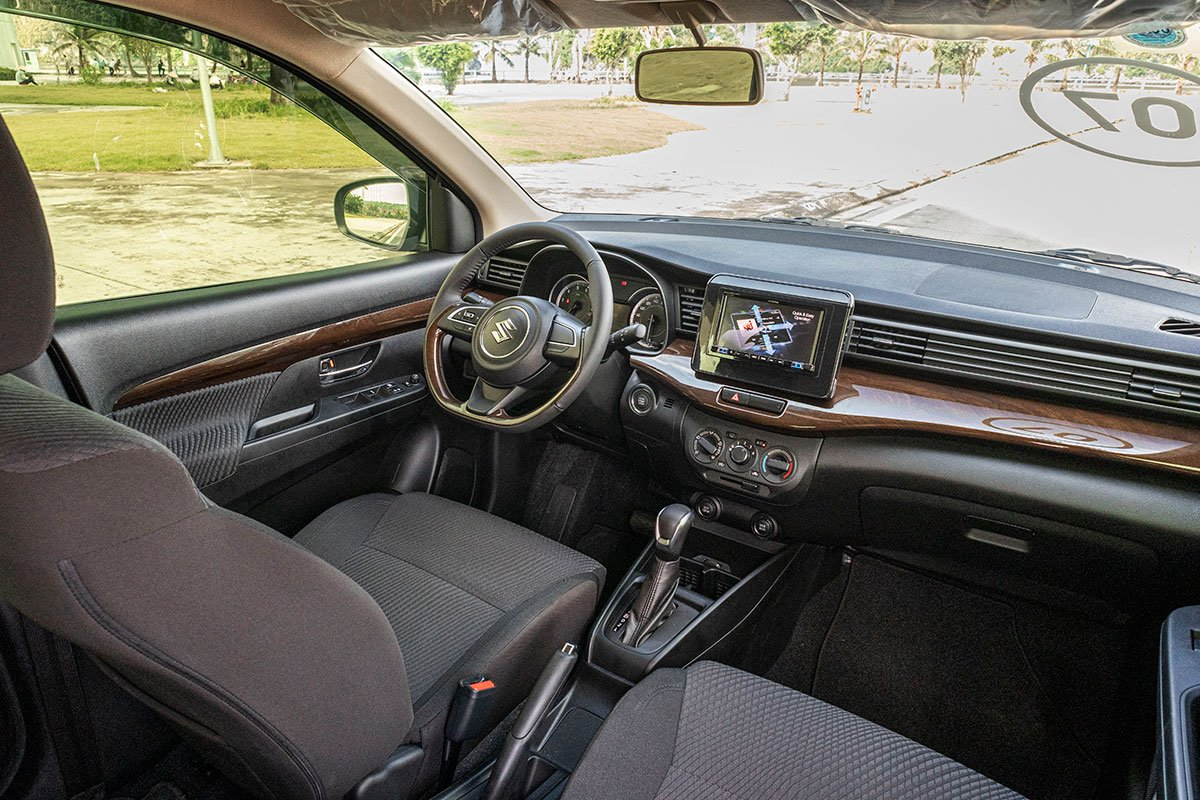 Đánh giá xe Suzuki Ertiga 2019: Nội thất trông khá hấp dẫn.