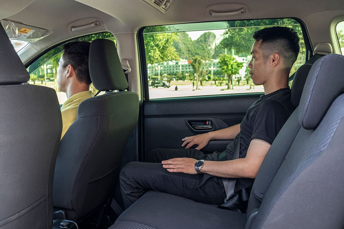 Đánh giá xe Suzuki Ertiga 2019: Hàng ghế thứ 2.