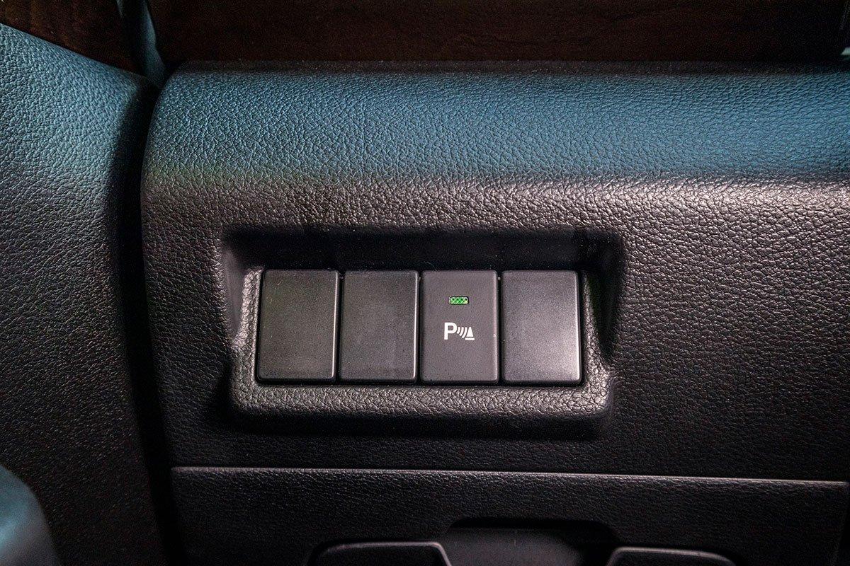 Đánh giá xe Suzuki Ertiga 2019: Hệ thống cảm biến lùi.