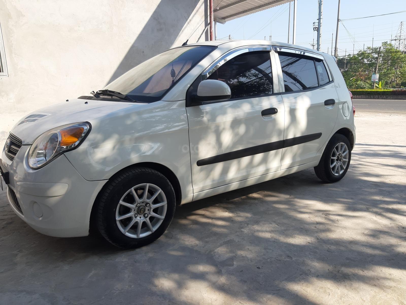 Bán xe Kia Morning năm 2010, màu trắng, nhập khẩu nguyên chiếc số tự động, giá tốt (1)
