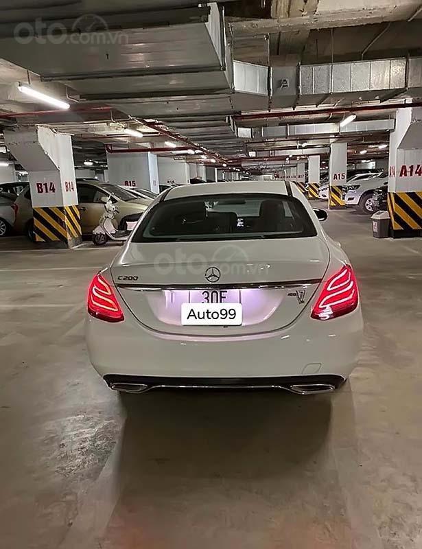 Cần bán Mercedes C200 sản xuất năm 2018, màu trắng, xe nhập (2)