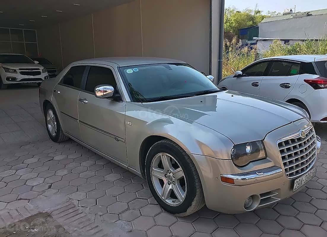 Bán Chrysler 300C 2.7 V6 năm 2008, màu bạc, nhập khẩu   (1)