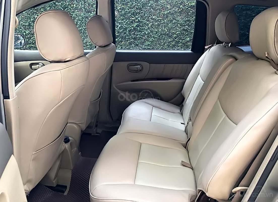 Cần bán Nissan Grand livina 1.8 AT 2011, màu xám, xe gia đình  (3)