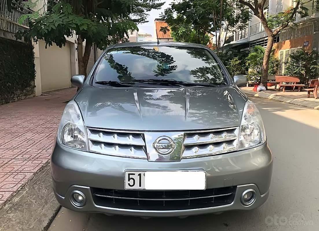 Cần bán Nissan Grand livina 1.8 AT 2011, màu xám, xe gia đình  (5)