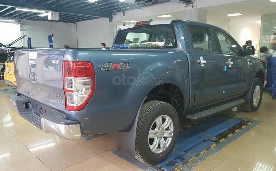 Bán Ford Ranger XLT 4x4 số tay, màu xanh thiên thanh, nhập khẩu nguyên chiếc, giá 654 triệu - Liên hệ 0979077936 (4)