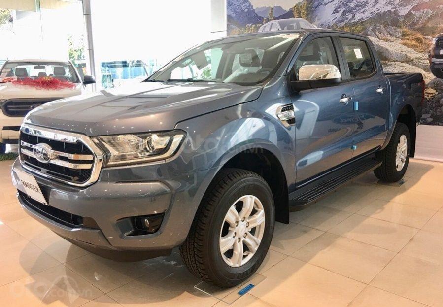 Bán Ford Ranger XLT 4x4 số tay, màu xanh thiên thanh, nhập khẩu nguyên chiếc, giá 654 triệu - Liên hệ 0979077936 (1)