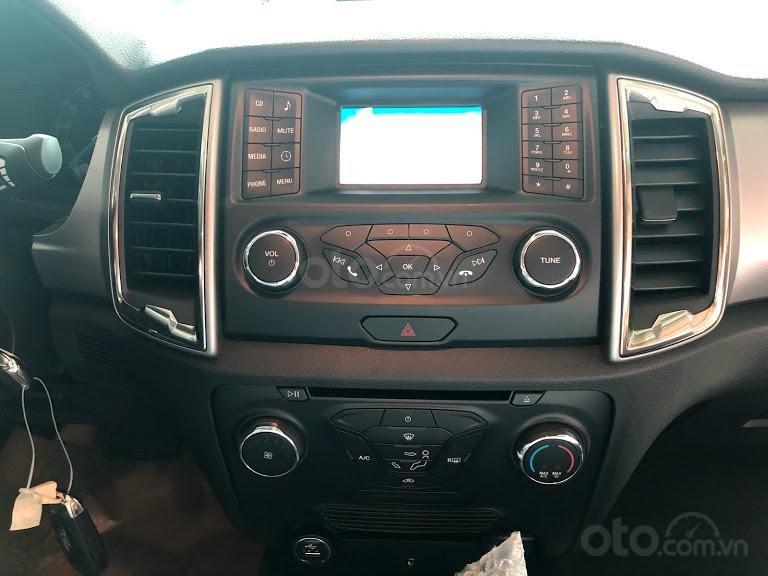 Bán Ford Ranger XLT 4x4 số tay, màu xanh thiên thanh, nhập khẩu nguyên chiếc, giá 654 triệu - Liên hệ 0979077936 (7)