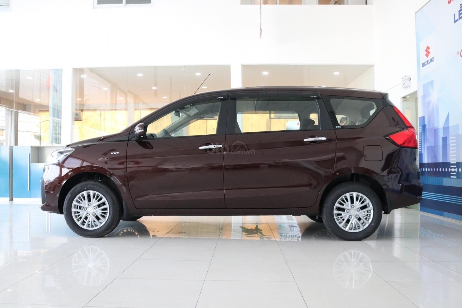 Bán xe Suzuki Ertiga nhập khẩu giao ngay màu đen, trắng, bạc và nâu liên hệ 0933460777 (1)