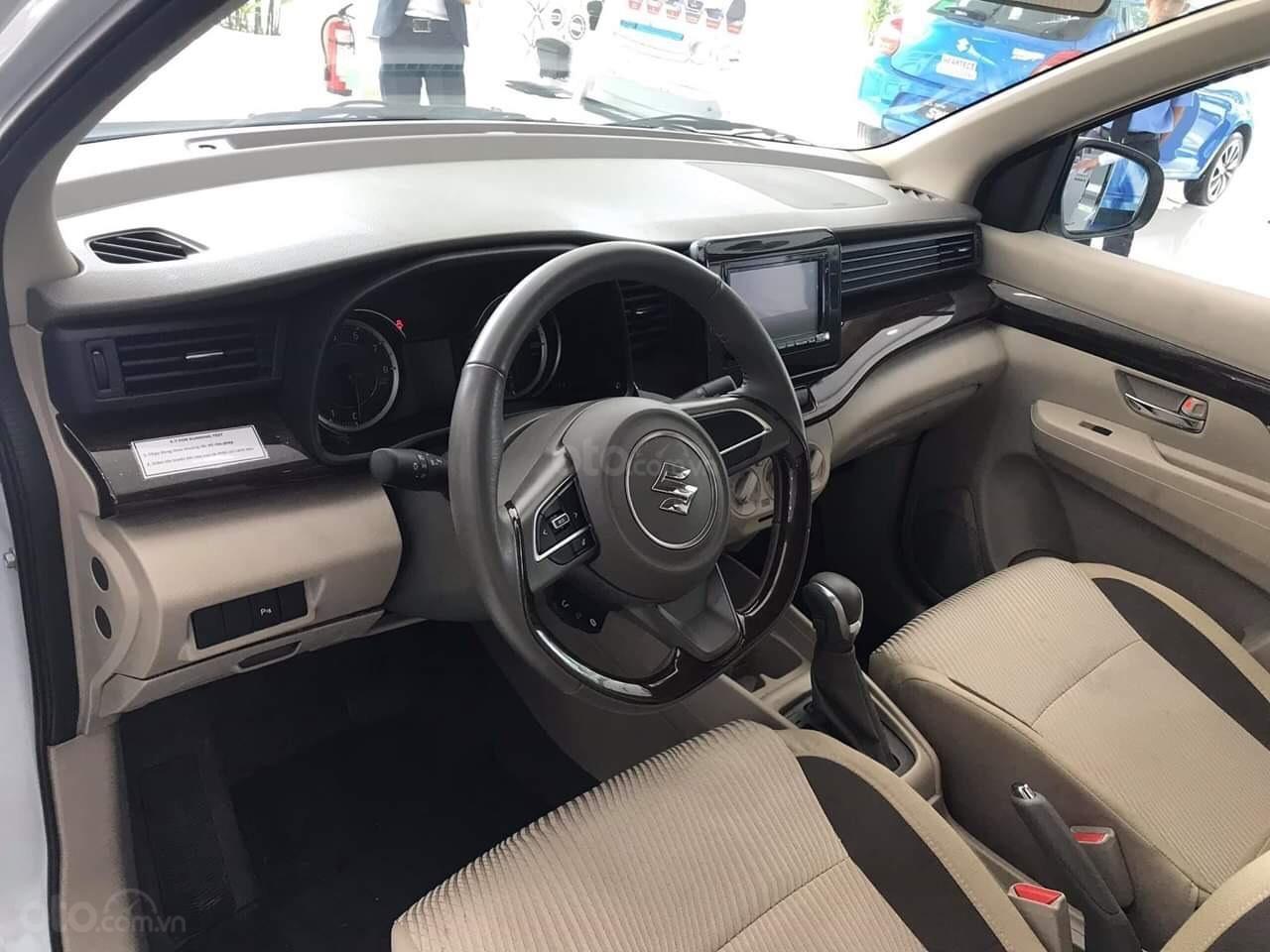 Bán xe Suzuki Ertiga nhập khẩu giao ngay màu đen, trắng, bạc và nâu liên hệ 0933460777 (4)