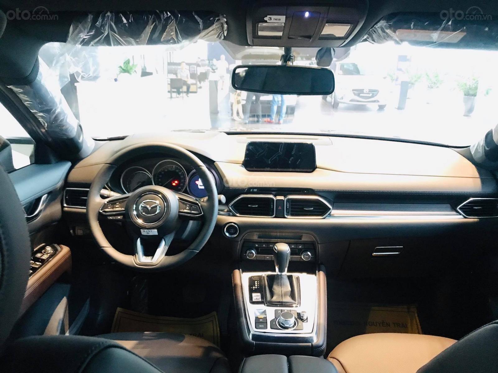 Cần bán nhanh chiếc xe Mazda CX-8 Premium AWD năm sản xuất 2019, màu trắng - Giao xe tận nhà miễn phí (5)