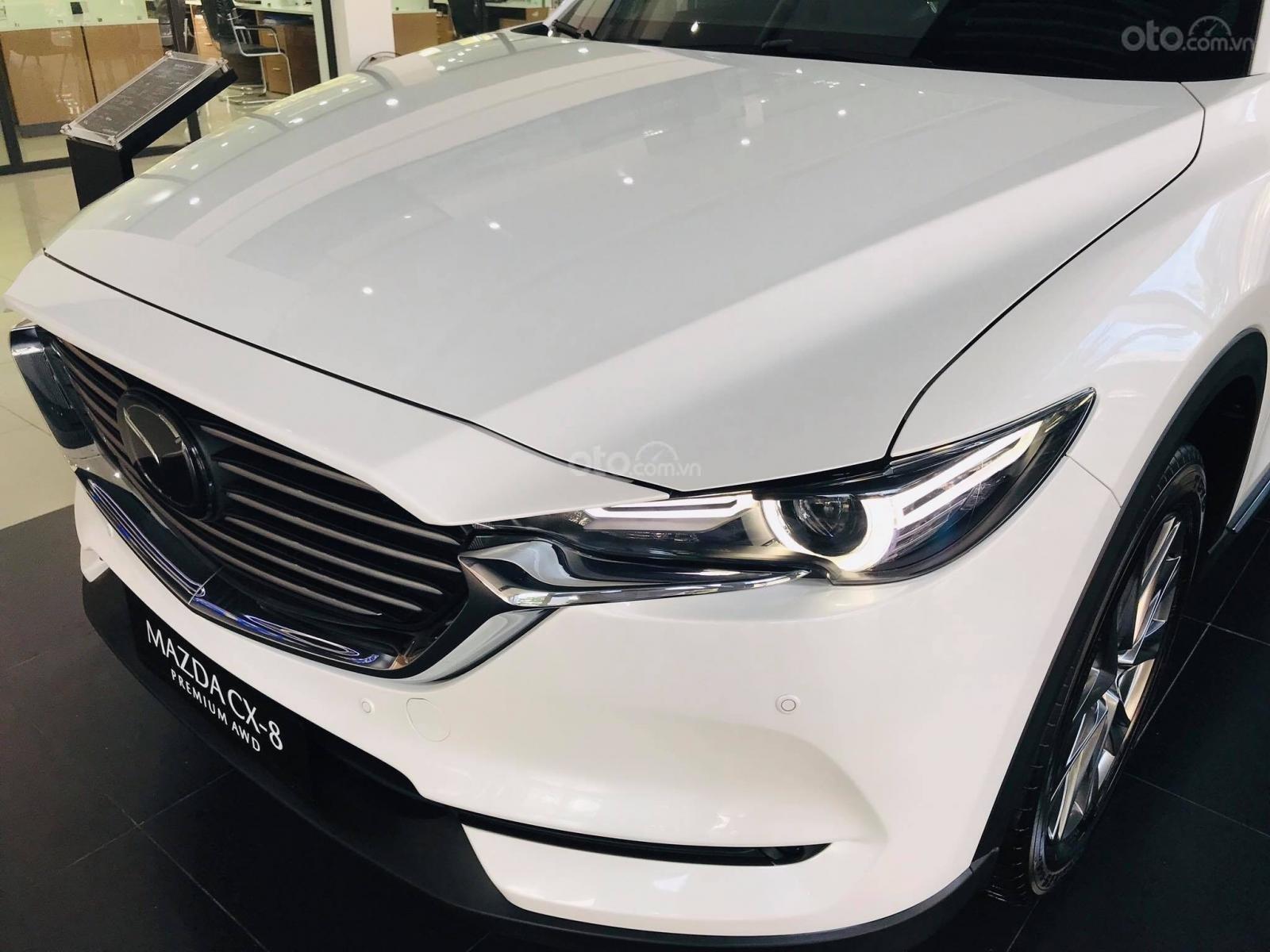 Cần bán nhanh chiếc xe Mazda CX-8 Premium AWD năm sản xuất 2019, màu trắng - Giao xe tận nhà miễn phí (3)