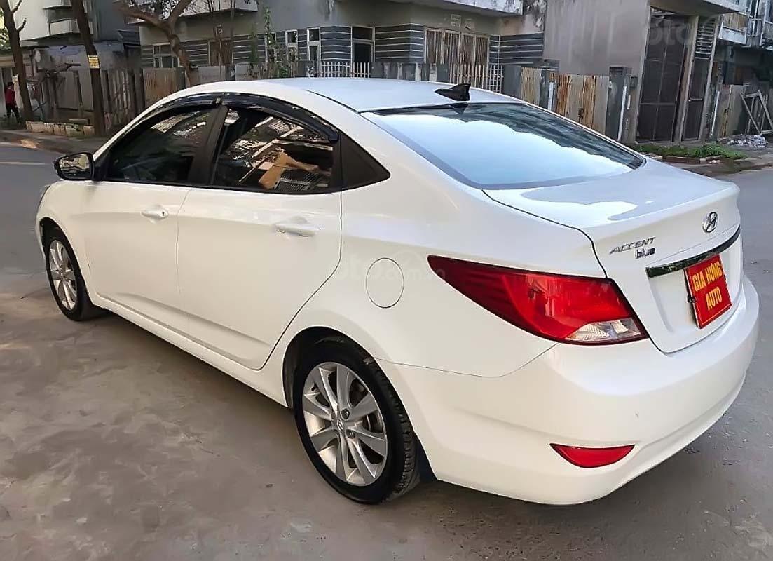 Bán Hyundai Accent 1.4 MT đời 2015, màu trắng, xe nhập chính hãng (4)