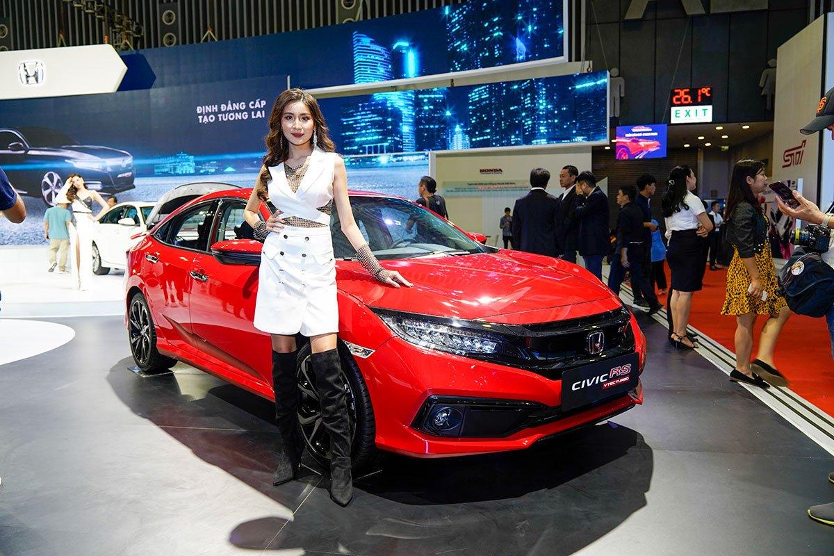 Honda Civic 2019 màu đỏ a3