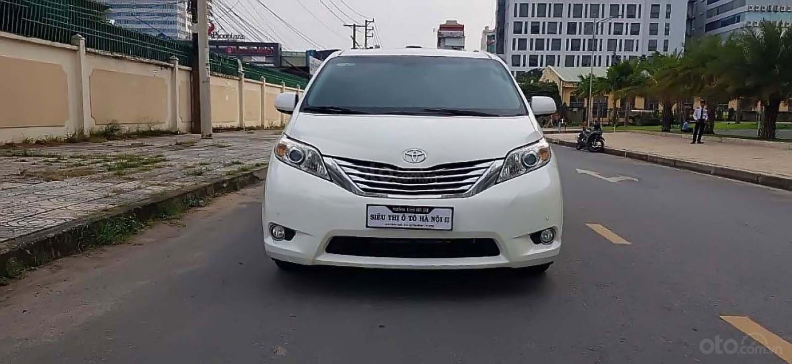 Bán xe Toyota Sienna Limited 3.5 2012, màu trắng, xe nhập (2)